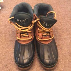 Bass boots